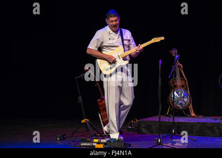 180830-N-NW255-1184 FRANKLIN, N.C. (Aug. 30, 2018) Musician 1st Class Joe Friedman performs with the U.S. Navy Band Country Current for a packed house at the Smoky Mountain Center for the Performing Arts in Franklin, North Carolina. Country Current is on a 1,600 mile tour through Virginia, North Carolina, Georgia and Florida, which allows Navy musicians to entertain audiences in parts of the country that don't often get to see the Navy at work. (U.S. Navy photo by Senior Chief Musician Melissa Bishop/Released) - Stock Image