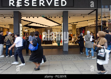 London.23rd August 2018. Reserved to present a new collection of clothes opening the same autumn season on during the evening shopping promotion.'Oxford Street In-Store Event' a year after the official opening of the Oxford Street store. Photo©Marcin Libera @ReservedUK @Reserved #ReservedforLondon #ReservedUK @BritishVogue #BritishVogue #Vogue #Denim @DenimandSupplyRalphLauren - Stock Image