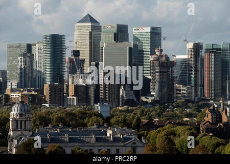 London Panorama from Greenwich Park, England UK. 22 September 2018 20th and 21st cntury Canary Wharf city finacial complex on the Isle of Dogs in Towe - Stock Image