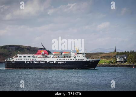 Caledonian MacBrayne ferry leaving Oban, west coast of Scotland. - Stock Image