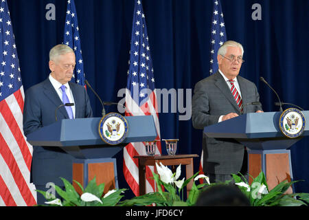 U.S. Secretary of State Rex Tillerson and U.S. Secretary of Defense James Mattis give remarks following the inaugural - Stock Image