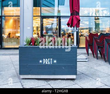 Pret A Manger Hauptbahnhof, Europaplatz 1. The first banch in Berlin serves freshly prepared sandwiches & organic coffee - Stock Image