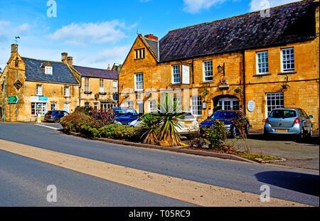 Moreton in Marsh, Cotswolds, White Hart Hotel, Gloucestershire, England - Stock Image