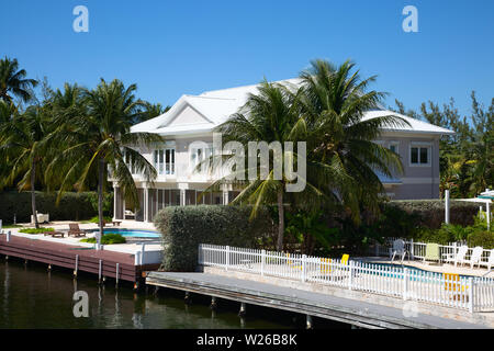 Luxury houses on the Grand Cayman island - Stock Image