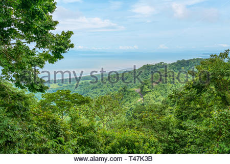 A view down to the ocean in Puntarenas province, Costa Rica - Stock Image