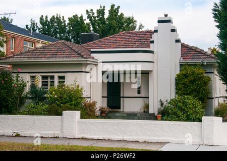 1940s Art Moderne house in suburban Melbourne, Australia - Stock Image