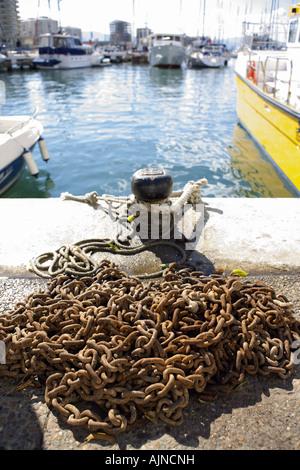 Bollard and chain, Marina Bay, Gibraltar - Stock Image