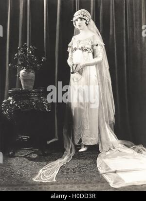Portrait of bride on her wedding day - Stock Image