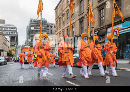 Glasgow, Scotland, UK. 7th April 2019. Sikhs in Glasgow celebrating the festival of Vaisakhi (or Baisakhi) with a colourful Nagar Kirtan parade aound the city's four Gurdwaras or Sikh temples. Credit: Kay Roxby/Alamy Live News - Stock Image