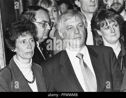 Chris Patten Conservative candidate for Bath constituency on steps of Guildhall after losing seat in the 1992 General election with is wife Lavender (left frame) - Stock Image