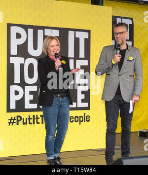 London, UK. 23rd Mar, 2019. Mariella Frostrup and Richard Bacon broadcasters and hosts at the People's Vote March and rally, 'Put it to the People.' Credit: Prixpics/Alamy Live News - Stock Image