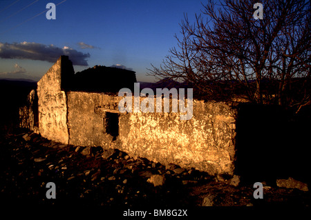 Ruins of an old home in Prado del Rey, Cadiz province, Andalucia, Spain, March 2005. Photo/Chico Sanchez - Stock Image
