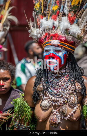 Portrait of a woman of Gateways Group with face painting, Mount Hagen Cultural Show, Papua New Guinea - Stock Image
