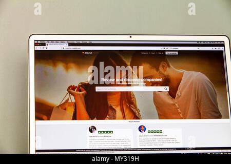 Trustpilot website, Trustpilot home page, Trustpilot review, Trustpilot reviews, Trustpilot.com, Trust Pilot online review website, Trust Pilot, - Stock Image