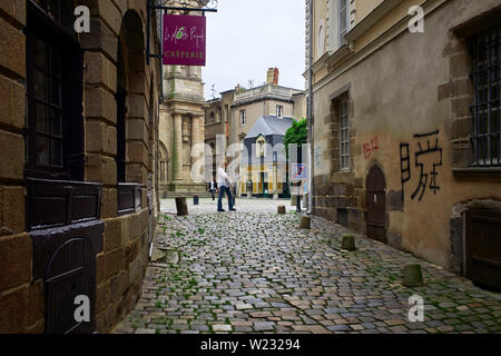Tourists in the centre of Rennes, the capital of Brittany, France - Stock Image