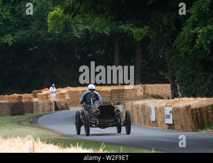 Goodwood Festival of Speed 2019 From pre-war Grand Prix veterans tosome very special machines including motorbikes put through their paces on the 1.16 - Stock Image
