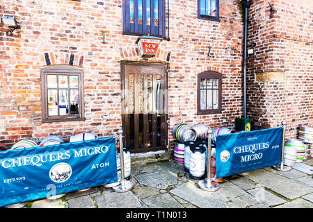 Micro brewery, Micro pub, Beverley Town Yorkshire UK England, Chequers Micropub Beverley, free house, pub, bar, Micropub, brewery, beer, casks, inn - Stock Image