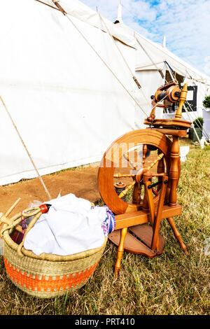Spinning wheel, spinning wool, wool spinner, wool spinning machine, spinning wheel, Spinning wheels, wooden Spinning wheel, antique Spinning wheel - Stock Image