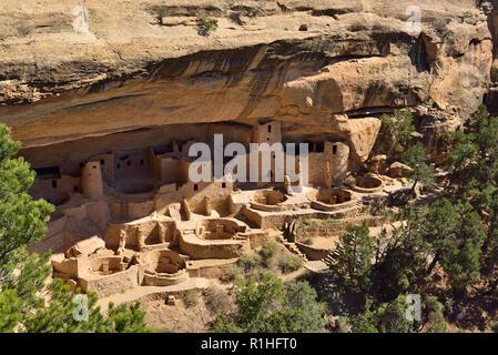 Cliff Palace Overlook, Mesa Verde National Park, Colorado, USA 180928_69727 - Stock Image