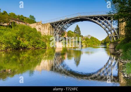 Famous historic Ironbridge bridge Shropshire Ironbridge Coalbrookdale Ironbridge Gorge Shropshire England UK GB Europe - Stock Image
