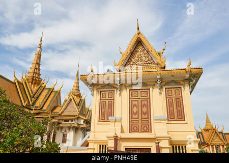One of the many building inside the Royal Palace complex in Phnom Penh, Cambodia. - Stock Image