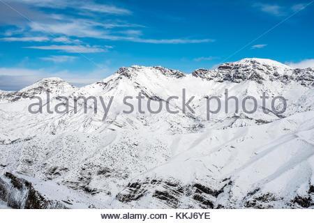 Morocco, Marrakech-Safi (Marrakesh-Tensift-El Haouz), Al Haouz Province. Tizi N'Tichka pass in the Atlas Mountains. - Stock Image