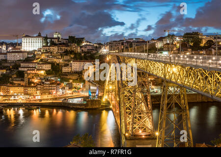 Dom Luis I Bridge over the River Douro, Porto, Portugal - Stock Image