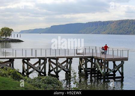 Hudson River scenic from Dobbs Ferry, NY, USA - Stock Image