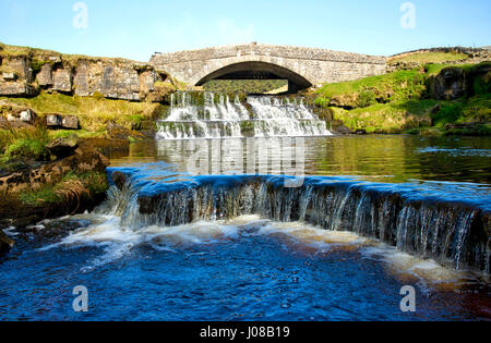 River Ure with Pack Horse Bridge - Stock Image