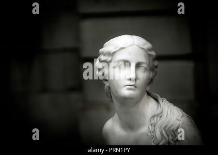 Ruth Gleaning, sculpture. - Stock Image
