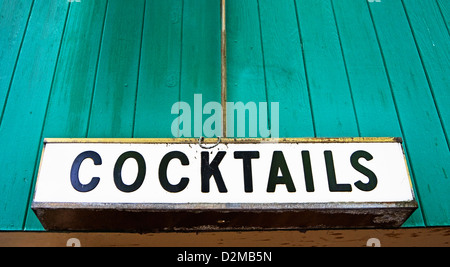 cocktail sign on building - Stock Image