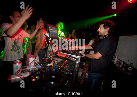 Layo DJing at Shake It in a warehouse in London SE1 on July 4th 2009. - Stock Image