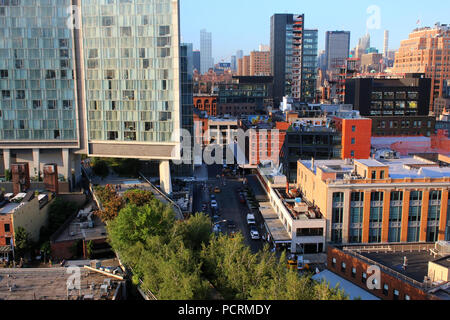 Rooftop view of Standard Hotel and Chelsea skyline, Meatpacking District, Manhattan on JULY 7th, 2017 in New York, USA. (Photo by Wojciech Migda) - Stock Image