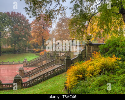 Bathesda terrace in late autumn early in the morning - Stock Image