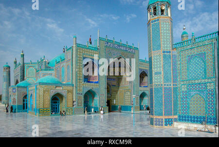 Mazar-e Sharf, Afghanisatn - October 2003: The Blue Mosque and tomb of Hazrat Ali - Stock Image