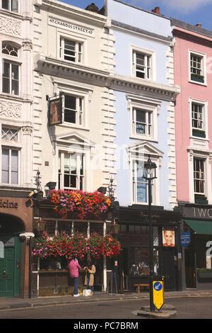 The Harp Pub Chandos Place London - Stock Image
