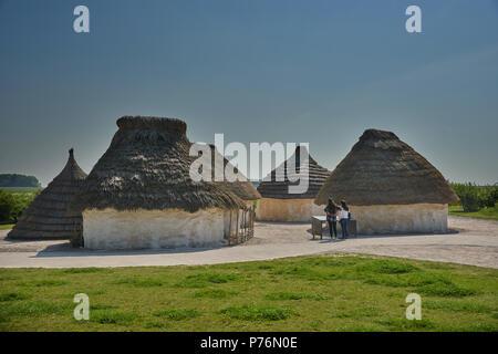 Stonehenge round houses - Stock Image