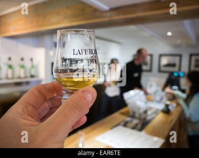 The tasting bar at Laphroaig distillery Islay Scotland - Stock Image