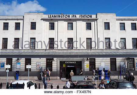 Passenger entrance in to Leamington Spa railway station. Warwickshire, UK. - Stock Image