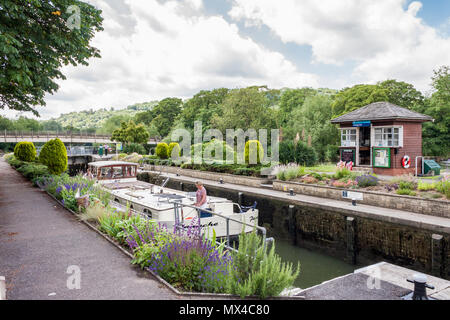Goring Lock on the River Thames, Goring-on-Thames, Oxfordshire, England, GB, UK - Stock Image