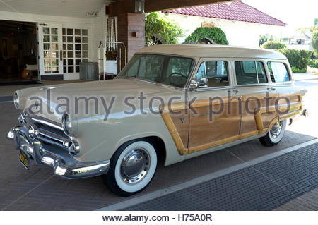 Ford V8 Country Squire automobile. California, USA. - Stock Image