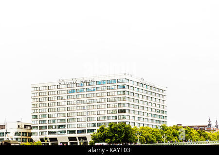 St Thomas' Hospital London, St. Thomas' Hospital, Westminster Bridge Road, London, SE1 7EH, United Kingdom, - Stock Image