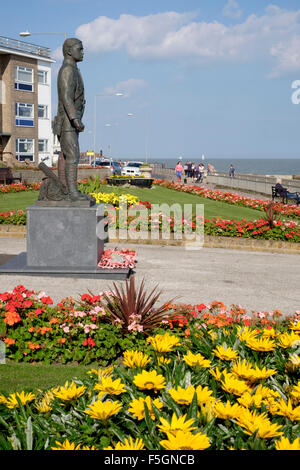 statue to Herbert Columbine VC on the seafront on Walton on naze - Stock Image