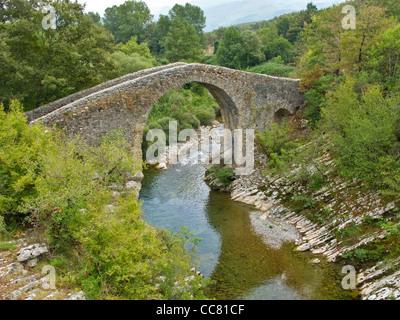 Medieval bridge, Ponte Medievale, on Calore River near Felitto in Cilento National Park, province of Salerno, Campania, - Stock Image