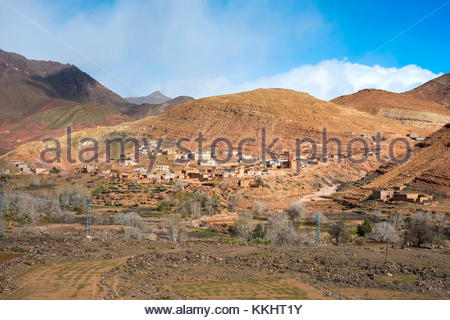 Morocco, Sous-Massa-Draa, Ouarzazate Province. Small village of Tamesna, Ighrem N'Ougdal, Atlas Mountains. - Stock Image