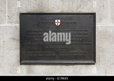 Plaque on Victoria Embankment showing the western boundary of the City of London - Stock Image