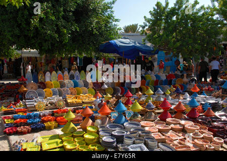 Brightly coloured ceramics on sale in Houmt Souk - Stock Image