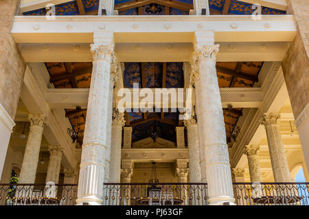 TBILISI, GEORGIA - MAY 12, 2018: The restored three-story building of the restaurant with the columns in Mtatsminda Park on funicular in Tbilisi. - Stock Image