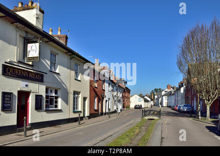 Queens Head Public House and street in central Tiverton, South Devon, UK - Stock Image