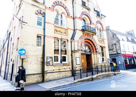 Cambridge Corn Exchange, concert venue, corn exchange cambridge, Cambridge Corn Exchange building, Cambridge Corn Exchange exterior, entrance, sign, - Stock Image